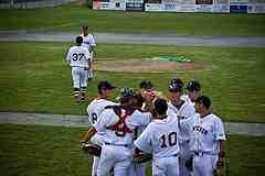 Between inning huddles kills baseball skills.
