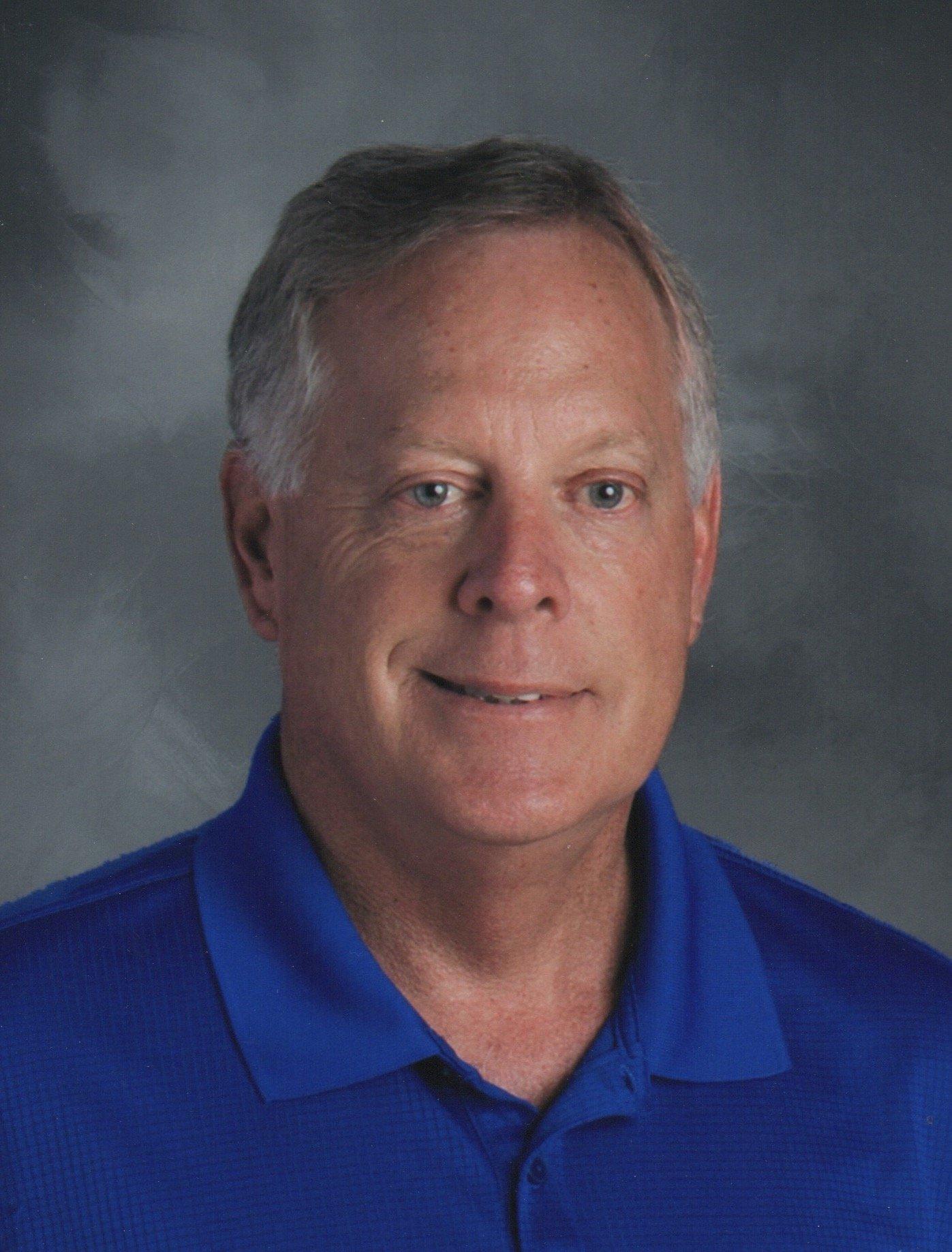 Coach Dave Holt